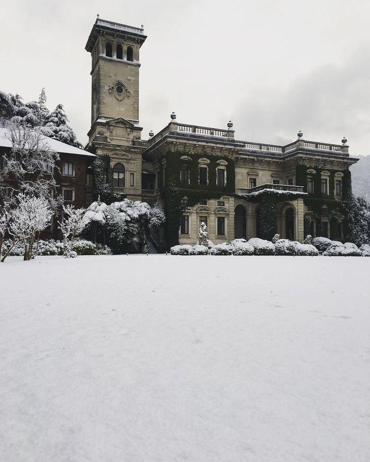 88 вподобань, 2 коментарів – Villa Erba (@villaerbaofficial) в Instagram: «#white #elegance ❄️❄️❄️ #throwback #fewdaysago #snow #snowy #villaerba #bestlocation #lakecomo…»