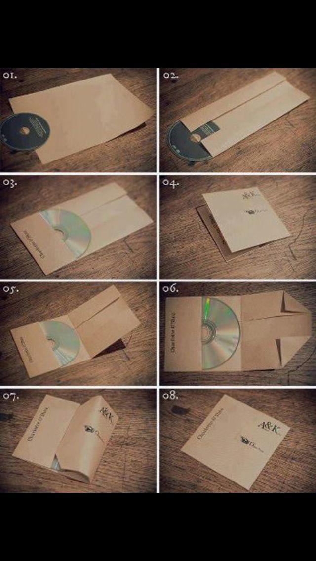 Nuovo modo di incartare i CD un foglio di carta e qualche piega ed è fatta !!!