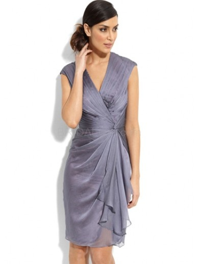 Light Purple V-Neck Ruched Chiffon Mother of the Bride Dress