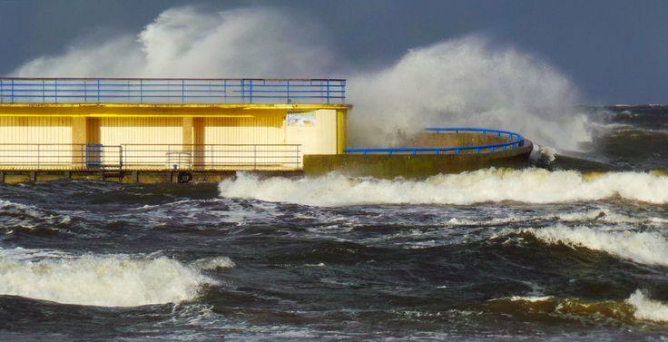 #Orkan #Ksawery i kołobrzeskie molo. #Kolobrzeg  Fot.: Adam Wiśniewski.