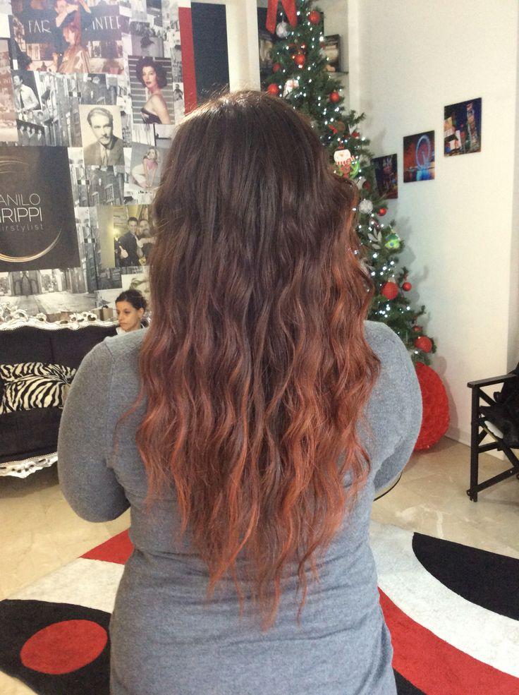 Bellissima sfumatura rame su capelli castani mossi lunghi #hair #cut #long #curl #red #hombre #auburn #copper