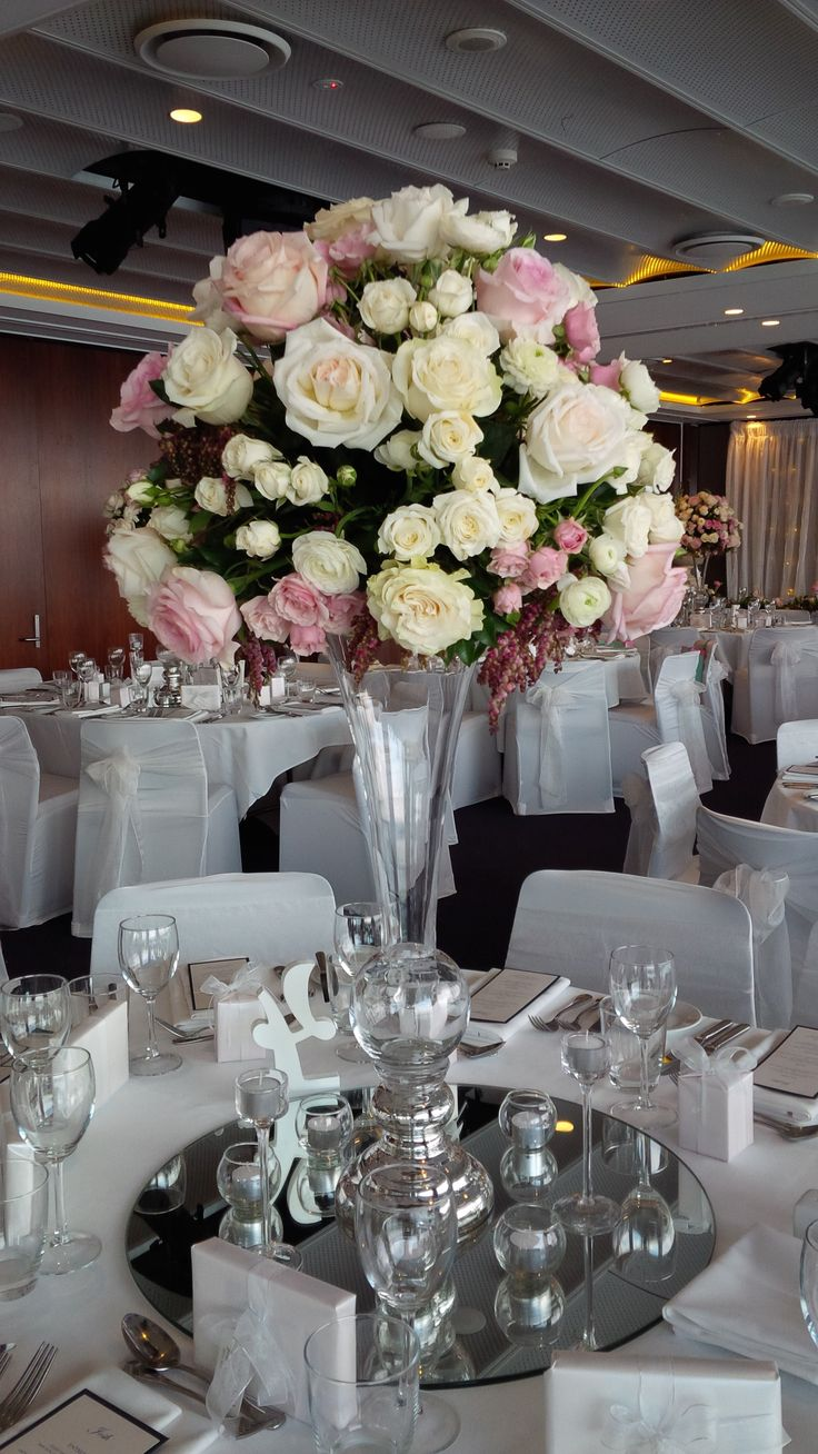Emilie's #gorgeous #wedding at #MerewetherSurfHouse #floral #centrepieces #tallvases #mirror #tealights #stunning
