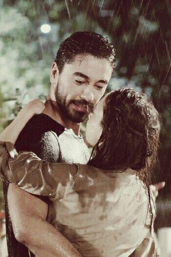 Bazıları yağmuru seyredermiş. Bazıları ise sadece yağmuru hissedermiş. 🌧️