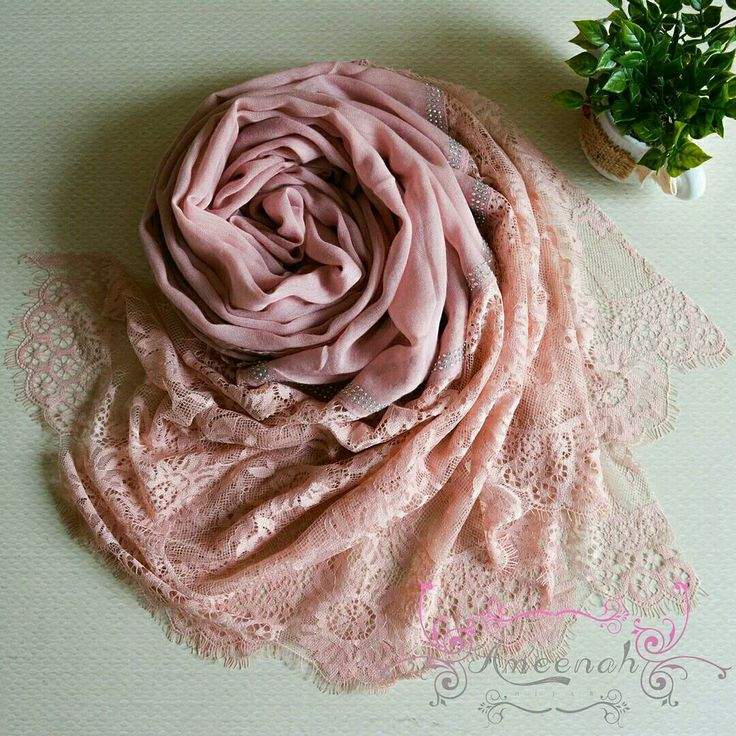 🍄Magdalena Lace Scarf (Pink) 🍄Material : Polyester+lace Exclusive Import 🍄Ukuran : 190x90 cm 🍄IDR 150.000  For order Line@ameenah_hijab BBM 598B233D Shipping : Bandung