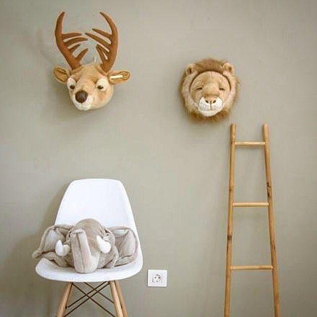 Qui veut m'adopter ??? Eléphant, lion, tigre, cerf ... Retrouvez nos amis les animaux sur notre boutique en ligne ♥️ Ils sont beaux, doux, affectueux et ne demandent zéro contrainte !!!! #trophees #animaux #animauxsauvages #animals #ptitloupetcie #eshop #online #ptitloup #doudou #deco #decor #decorations #chambreenfant #baby #bedroom #bedroomdecor