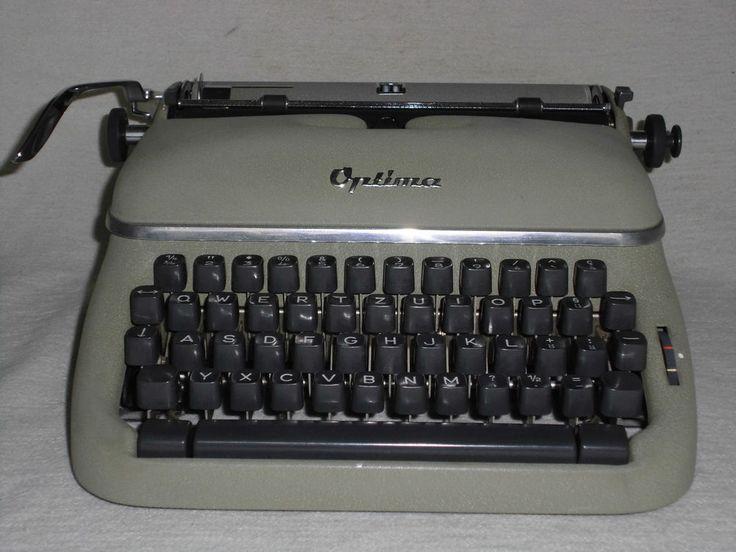 Tragbare mechanische Reiseschreibmaschine Optima, mechanical typewriter