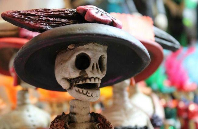 Coventur DMC tu mejor opción en Los Cabos! #loscabos #coventur #Unstoppable   #NoticiasCoventurDMC: El Día de Muertos en México  Entre finales de octubre y principios de noviembre, en el país se lleva a cabo una de las fiestas más importantes del año: la bienvenida transitoria de los difuntos.  Este fin de semana, México celebra uno de sus festejos más importantes del año: el Día de Muertos, que desde 2003 es Patrimonio Intangible de la Humanidad (Unesco). Los últimos días de octubre y los…