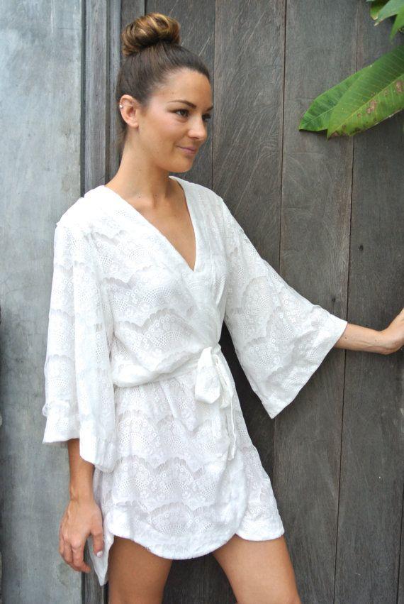 Stunning Lace Bridal Robe by Piyama