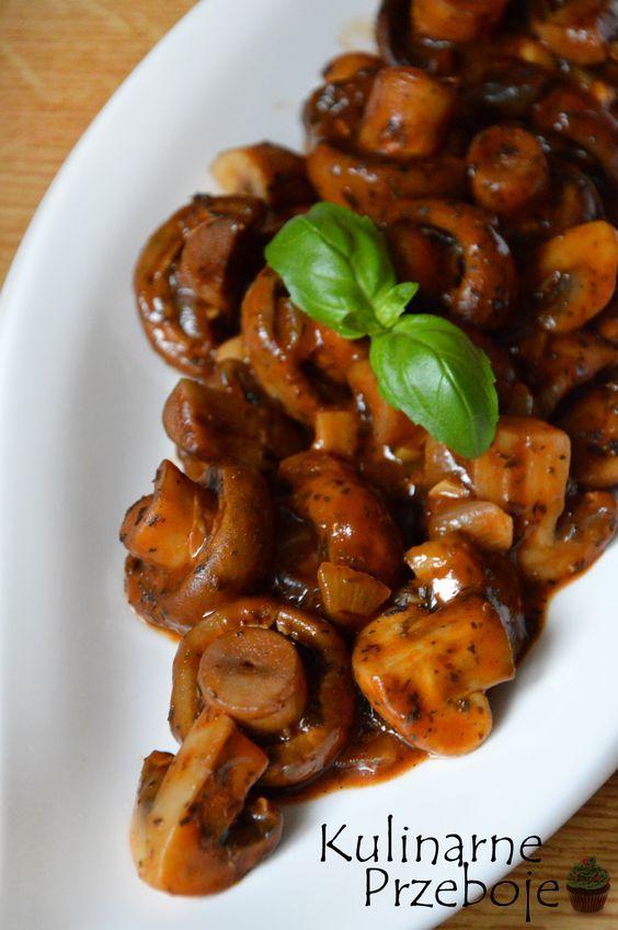 Pieczarki w aromatycznym sosie, pieczarki w sosie, pieczarki z ziołami, pyszna kolacja, przystawki, przekąski na imprezę, pyszny sos pieczarkowy z ziołami.