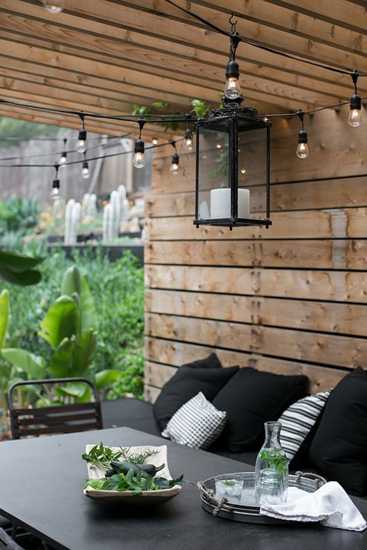my outdoor dining space at home with Traget accessories. / sfgirlbybay