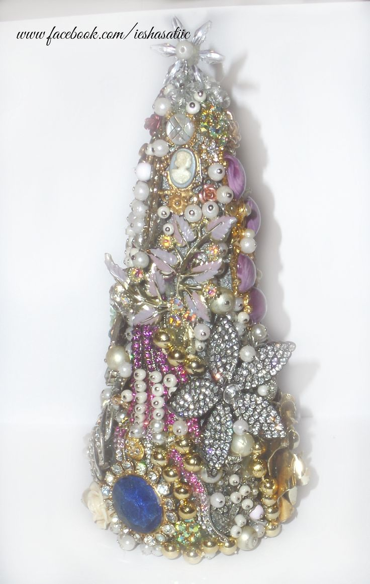 Christmas tree from gems, jewels and beads- stunning