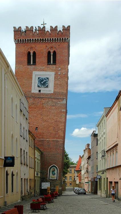 (via Leaning Tower, a photo from Dolnoslaskie, West | TrekEarth)    Zabkowice Slaskie, Poland