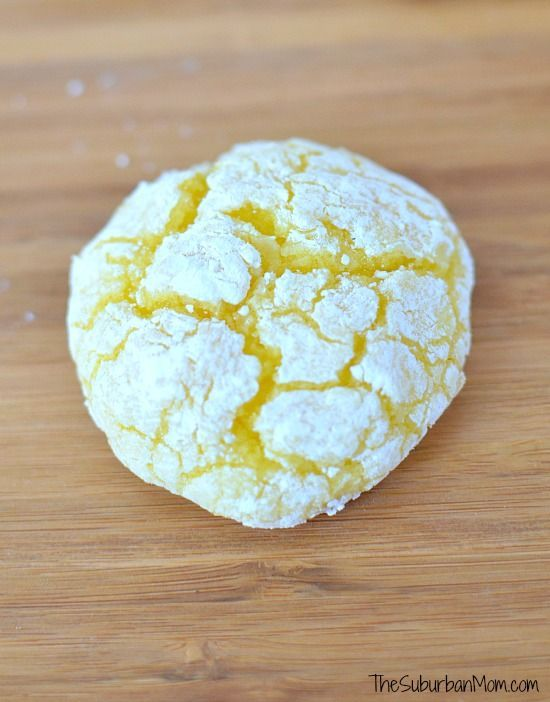 The ultimate lemon crinkle cookies, these crackle cookies are soft and delicious with a rich lemon flavor. Sweet and tangy. Printable gift tag for sharing.