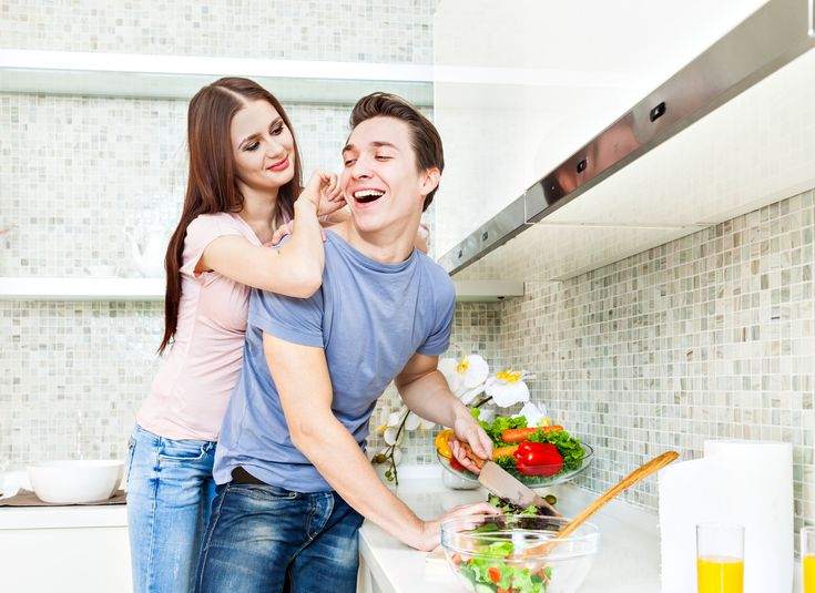 Rakkaus+lihottaa?+Parien+paino+nousee+keskimäärin+pari+kiloa+ensimmäisen+avioliittovuoden+aikana