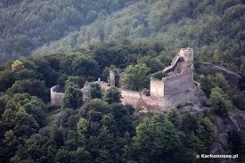 Znalezione obrazy dla zapytania zamek chojnik legenda