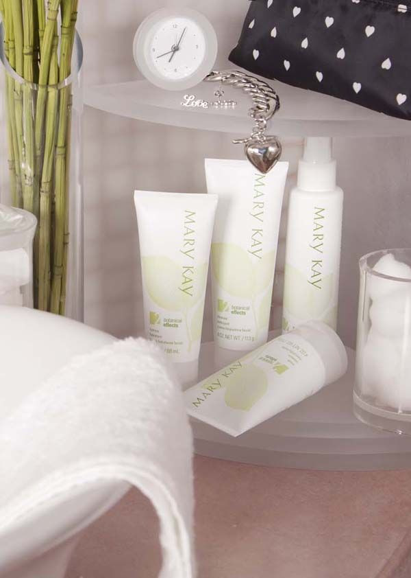 Botanical Effects® Skin Care is infused with the goodness of botanicals to bring out what you love in your skin. #MKLove