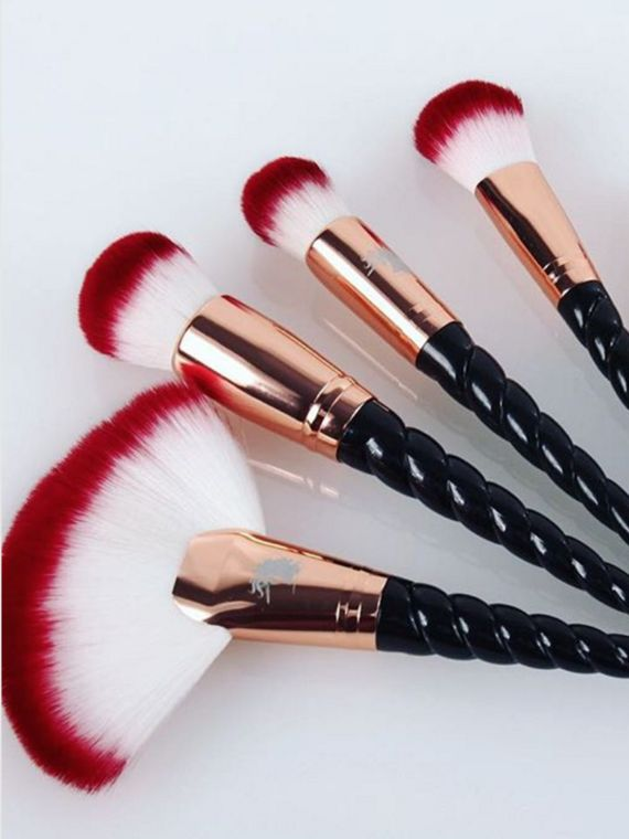 After what feels like a year and a half, you can finally shop the rose gold Unicorn Lashes Royale Unicorn Brush Sets. The British company that brought the hugely popular pastel unicorn horn-shaped makeup brushes into the world teased rose-gold-and-black versions back in November.