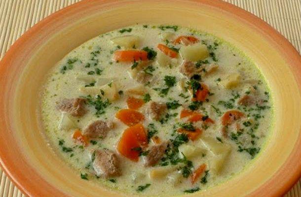 A tárkonyos krumplilevessel bármilyen étkezés jól indul, sőt van, hogy magában is elég.