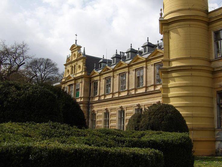 Szabadkígyós, Wenckheim-kastély