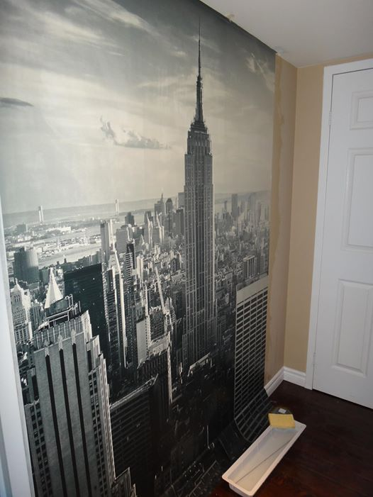 Look how easy it is to put and use InkShuffle murals, wallpapers and decals on your wall. They're easy to put and easier to remove. Try it!