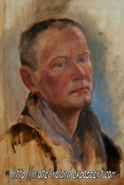 Roland woont in Den Haag en staat regelmatig en met veel plezier model voor onder andere portret- en modelteken- en -schildercursussen. Ook voor boetseer-, beeldhouw- en fotografieworkshops en -cursussen is hij te boeken. Hij poseert zowel gekleed als ongekleed. Zie ook http://www.em-ha-em-art-productions.nl/mainport/modellen/roland/