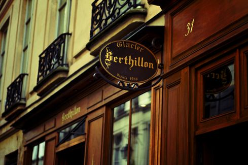 3. Reasons To Go To Paris With The Kids: Eat Berthillion Everyday Maison Berthillon les glaces #travelwithkids#Paris