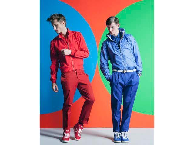A sinistra, giubbino Class Roberto Cavalli , pantaloni Hermès; a destra Giacca Add, camicia Les Hommes , pantaloni  e orologio Dior, cintura  Gucci. Per entrambi, sneakers Converse