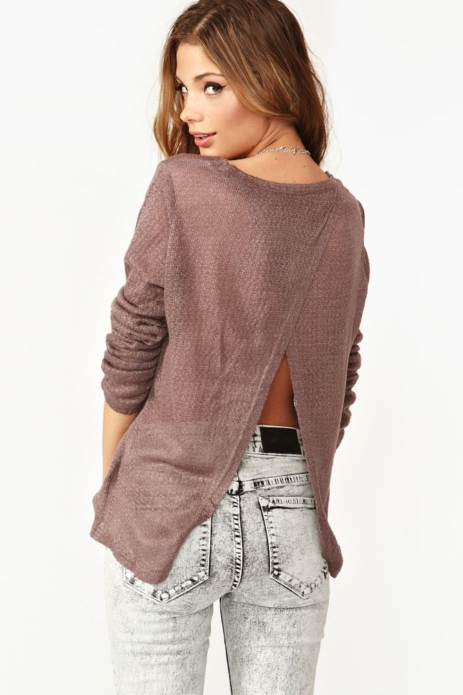 Cute top, love the back!