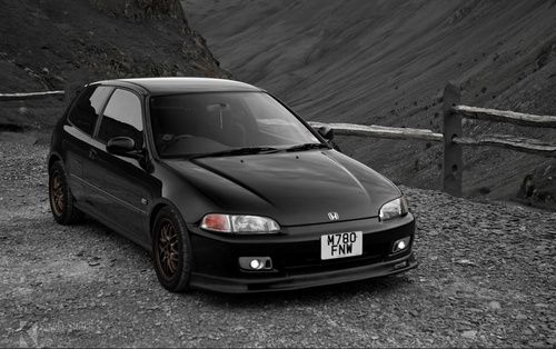 92-95 honda civic hatchback (Black always looks good on a Honda)