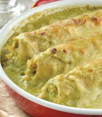 Prepara unos exquisitos tacos dorados al estilo Cocina Fácil.