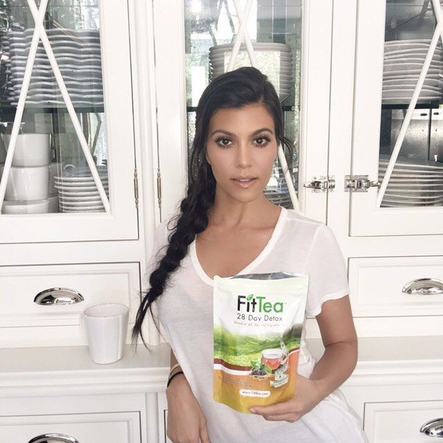 I'm starting my mornings with @fittea! It gives me that energy boost I need (and I haven't had my full work out in two weeks so I really need the boost today.) Tea time! #kourtneyk #kardashians