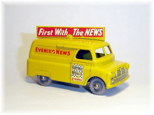 Matchbox 42A Bedford Evening News van (1957)