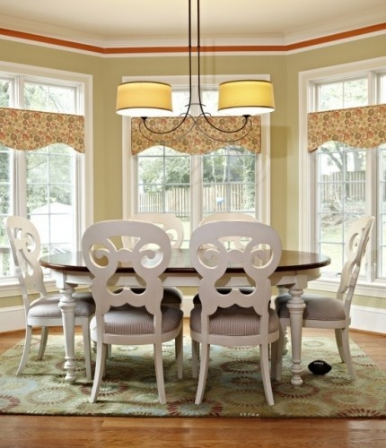 chairsTransom Windows, Bays Windows, Lights Fixtures, Windows Valances, Breakfast Nooks, Eclectic Dining Rooms, The Bays, Window Treatments, Windows Treatments