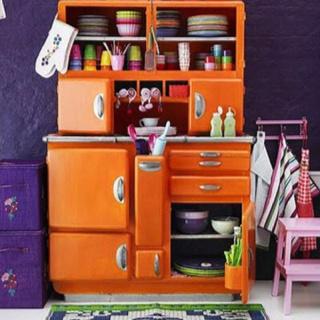 I want one! Vintage & Functional - Orange kitchen furniture