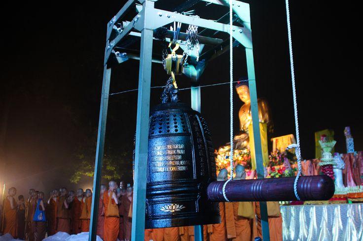 Lonceng pembuka pelepasan Lampion