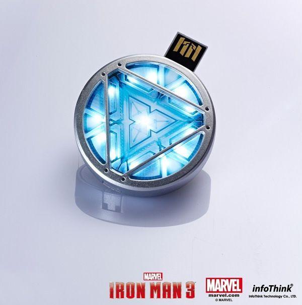Isso é legal do dia: Pen drive Reator Arc do Iron Man tem LED que se acende e pode ser carregado no peito