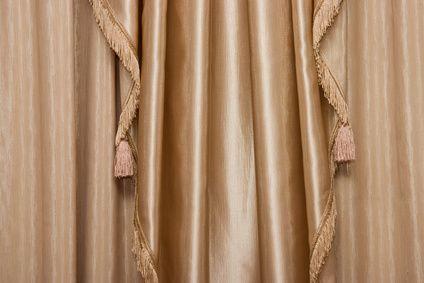 Como remover mofo e bolor de cortinas
