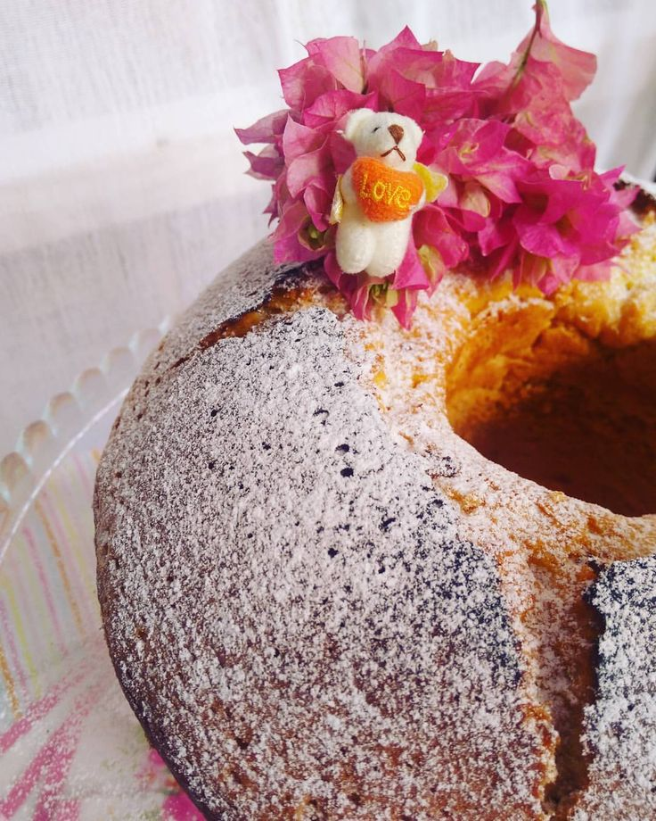 Starchy Cake / Nişastalı Kek / でんぷん質のケーキ Do you know that ; the starch , what make this cake so fluffy , is bulletproof ?  / Bu keki, bu kadar yumuşak yapan nişastanın kurşun geçirmez özelliğe sahip olduğunu biliyor muydunuz ?  #starchycake #starch...