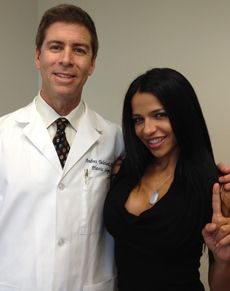 Is Vida Guerra Modeling with Plastic Surgery?   Curvy and petite Vida Guerra  is practically a legend for her rear end. Thanks to appearing ...