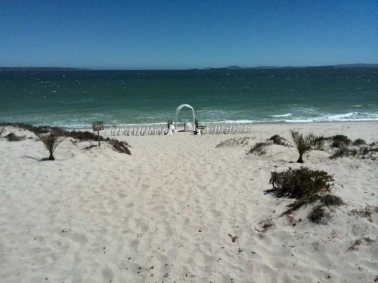 #RealWedding. #BeachWedding. https://www.facebook.com/ohsoprettyweddingplanning/photos/pb.709499315771243.-2207520000.1426873506./791058274282013/?type=3