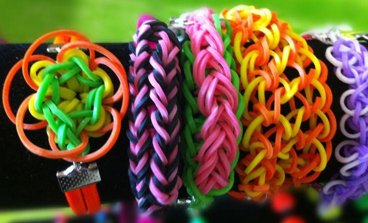 Pulseras con ligas de Colores. Moda para niños