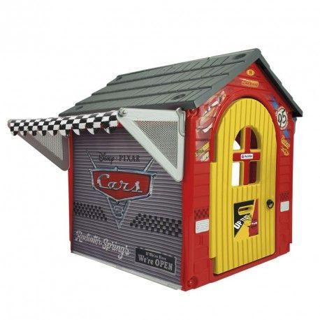 Garaje de Cars 3 para jugar a reparar los personajes de la exitosa saga de dibujos animados Cars. El garaje está fabricado en plástico resistente y disp...