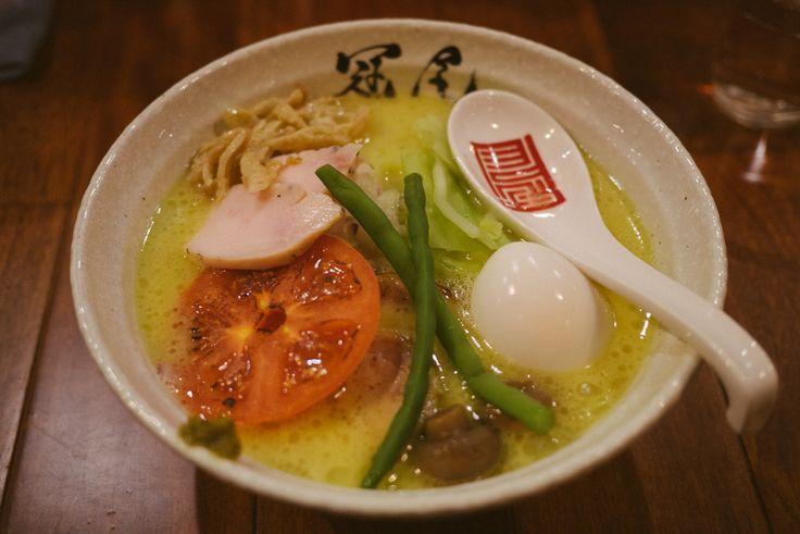 極上の鶏白湯スープのラーメン!:恵比寿「らぁめん冠尾」