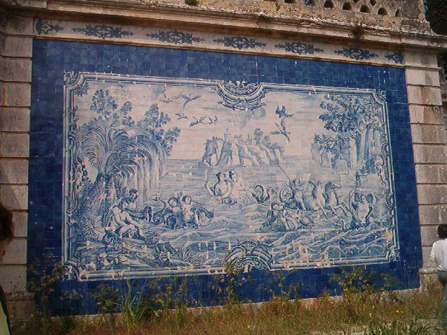 Oeiras, Casa da Pesca [photo: José Martins] #coquillage #blueandwhite #azulejo #frame #collaborativetimeline