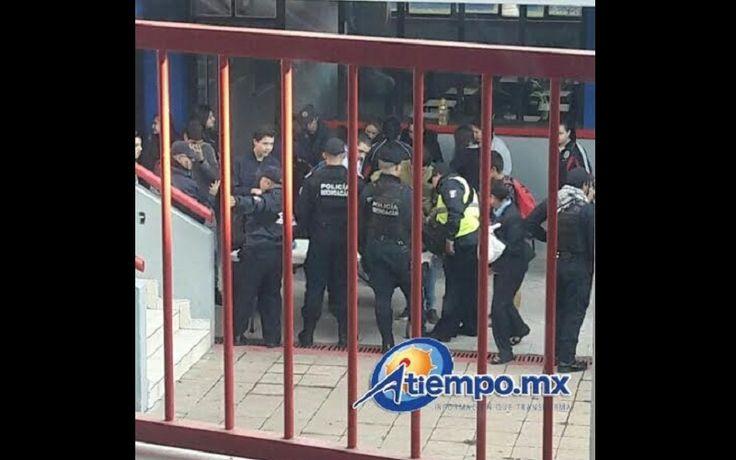 Gran cantidad de agentes de la Policía Michoacán y de la PGJE se hicieron presentes este miércoles en el Colegio Salesiano Colón de Zamora; por su parte, la Dirección del ...