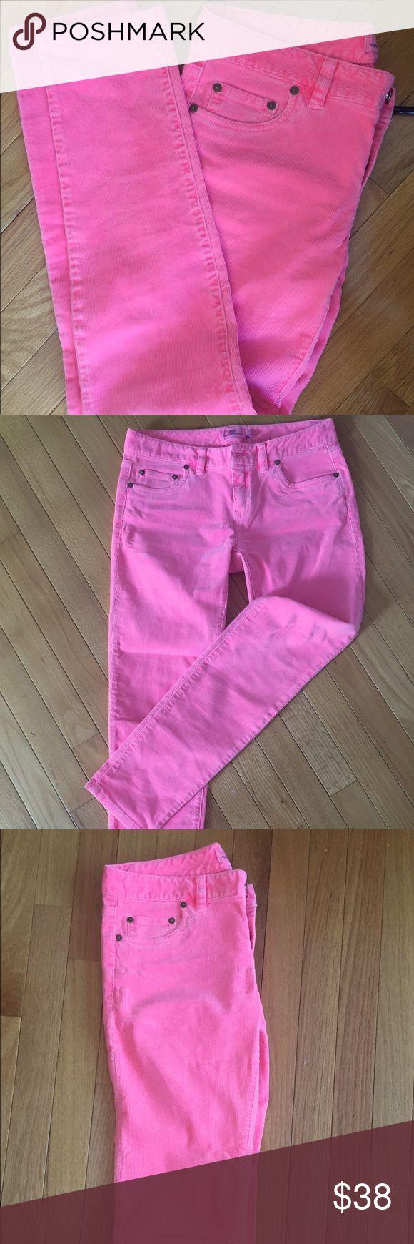 NWT! Vineyard Vines neon pink skinny cords (sz 2) Bright beachy neon pink (has that salt bleached look) new with tags ! Vineyard Vines Pants Skinny