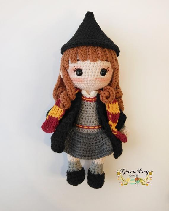 Amigurumi Crochet doll pattern / Wizard girl crochet pattern/ Amigurumi wizard girl crochet pattern / teenage wizard crochet pattern
