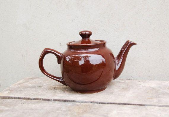 Teiera in ceramica marrone dell'annata  1980 ' s di semivint