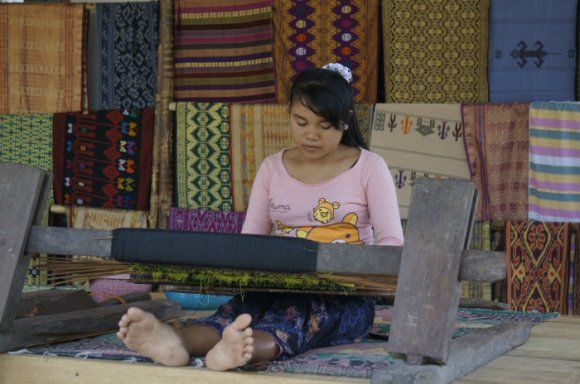Sukarare Village, Lombok Weaving, What to see Lombok