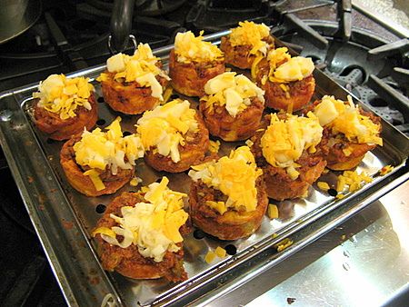 Stufffed Tostones... Plantains stuffed with seasoned ground beef and cheese ;-) ...El Boricua, a bilingual , cultural publication for Puerto Ricans